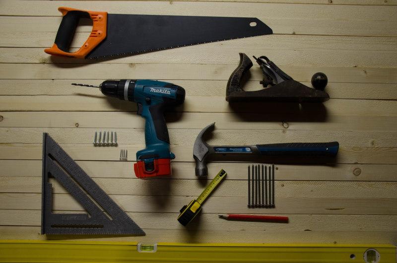 εργαλεία για ανακαίνιση